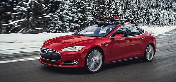 Компанию Tesla обвинили в завышении показателей мощности