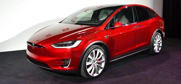 Tesla показала свой первый кроссовер