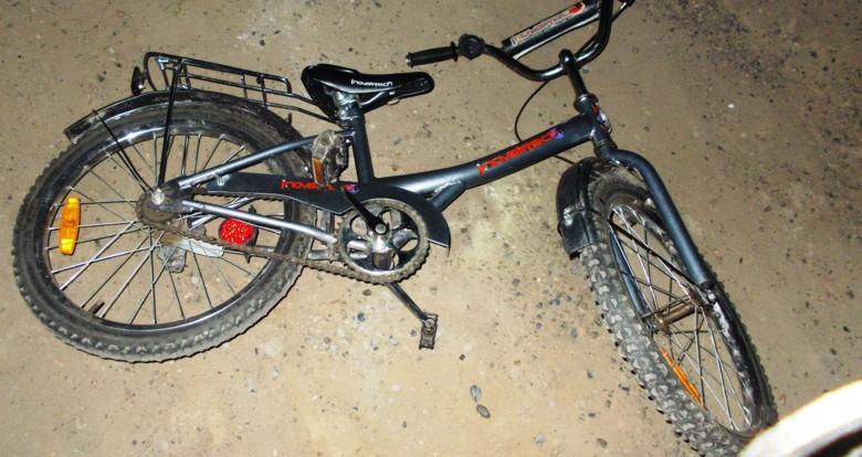В Гагаринском районе большегруз сбил велосипедиста.