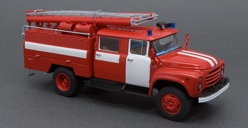 Под Смоленском ночью сгорели две машины