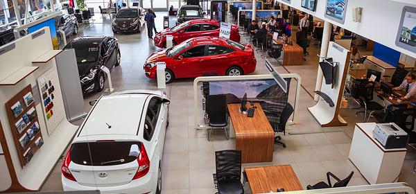 В сентябре 20 автопроизводителей пересмотрели цены в России