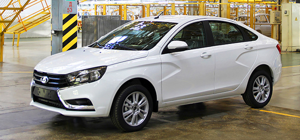 Премьеру серийной Lada Vesta перенесли на октябрь