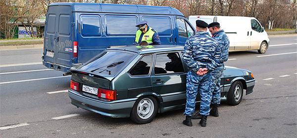 В Госдуме поддержали законопроект о лишении прав за тонировку