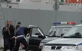 Полицейским пришлось стрелять в автомобиль пьяного автовладельца, чтобы его остановить.