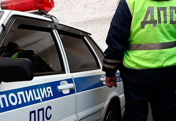 В Смоленске столкнулись грузовик и полицейский автомобиль