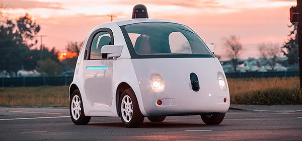 Компании Google в Калифорнии пытаются запретить делать автомобиль без руля
