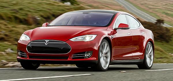Tesla планирует представить полностью автономный автомобиль через два года