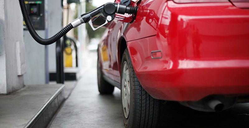 В Смоленской области снижаются цены на моторное топливо