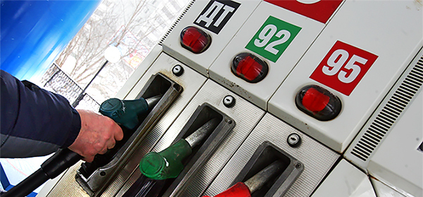 В правительстве рассказали, как подорожает бензин в 2016 году