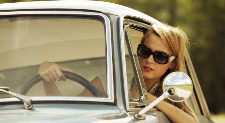 Женское вождение: особенности и заблуждения