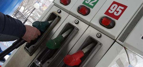 Владимир Путин повысил акцизы на бензин