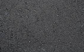 За два месяца на ремонт дорог в Смоленске ушло 250 тонн асфальта