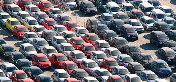Цены на автомобили в России за полтора года выросли на 35%