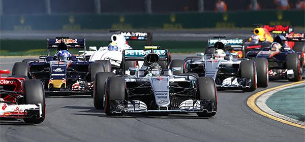 Гонщики Формулы-1 потребовали изменения правил