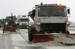 С начала сезона в Смоленске убрано 11764 квадратных метра дорог