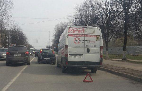В Смоленске маршрутка попала в ДТП