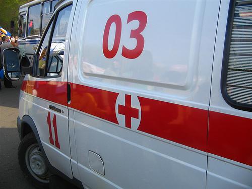 Под Смоленском БМВ, выскочив на «встречку», столкнулась с фурой