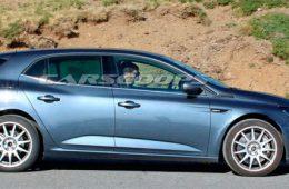 Renault вывел на тесты сверхмощный Megane нового поколения
