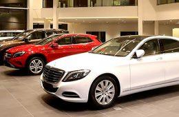 Продажи премиальных автомобилей в Москве упали на 5%