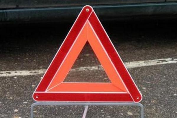 В Смоленской области иномарка угодила в кювет. Пострадал водитель