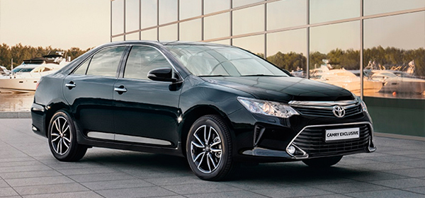 Специальная версия Toyota Camry для России получила две навигационные системы