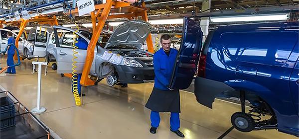 Производство легковых автомобилей в России снизилось на 18,1%