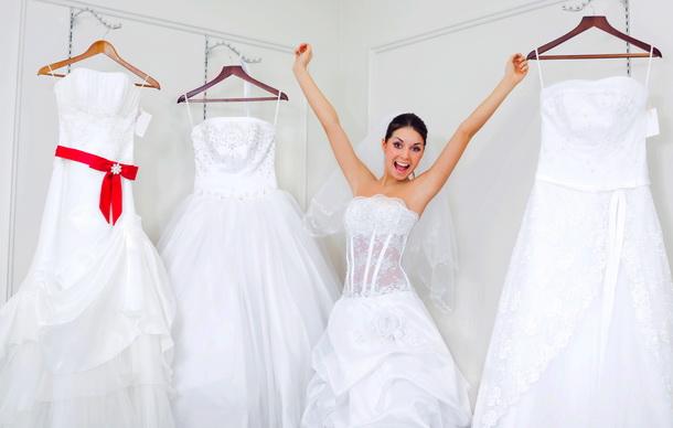 Свадебное платье: купить или взять в аренду