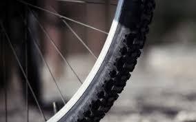 В Сафоновском районе насмерть сбили 28-летнего велосипедиста