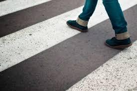 В Смоленске 19-летнего парня сбили на пешеходном переходе