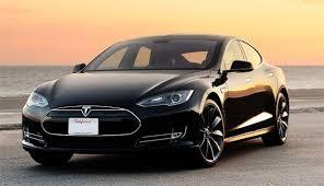 Систему Tesla запретили называть автопилотом