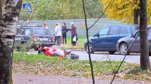 В Смоленске на «зебре» на Нахимова мотоцикл сбил пешехода