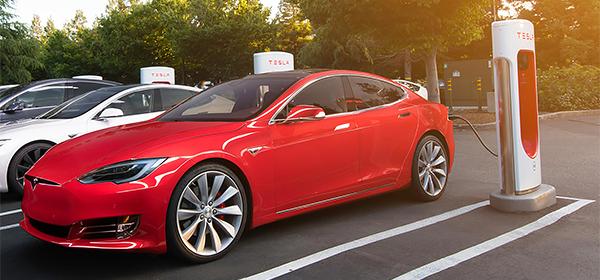 Зарядные станции Tesla станут платными с 2017 года