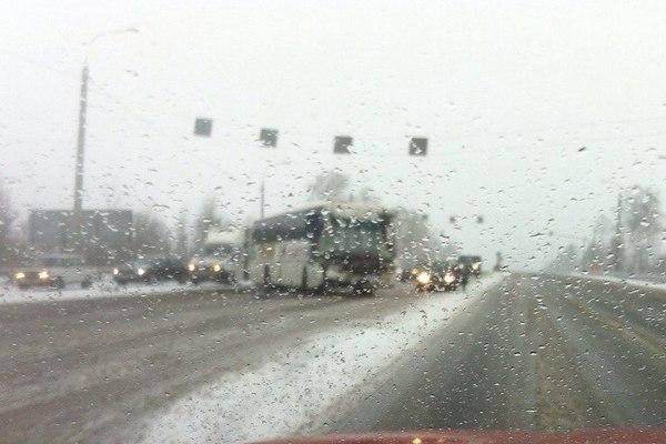 ДТП в Сафоновском районе: водителя автобуса зажало обломками кабины