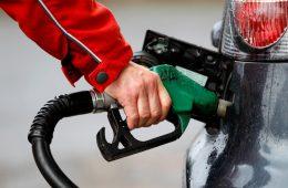 На автозаправках Смоленской области растут цены на бензин и дизельное топливо