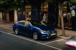 Продажи легковых авто в России в прошлом году упали на 11%