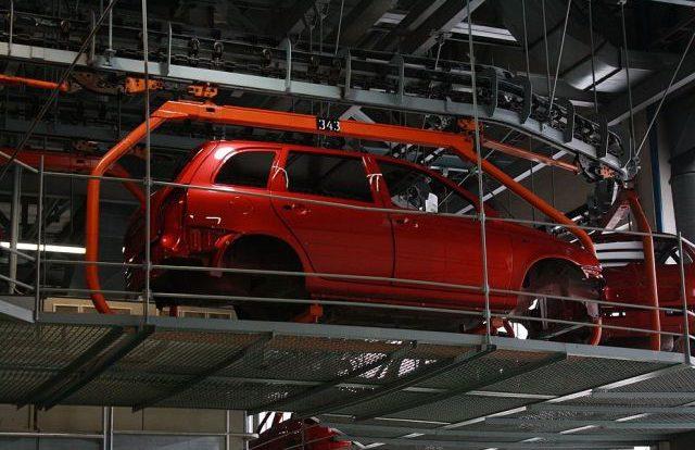«АвтоВАЗ» поднял цены на машины