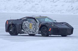 Жонглируя компоновкой: небывалый Chevrolet Corvette заснят на тестах