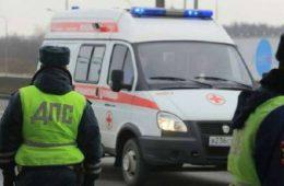 В Смоленске автомобилист сбил пенсионерку, садившуюся в трамвай