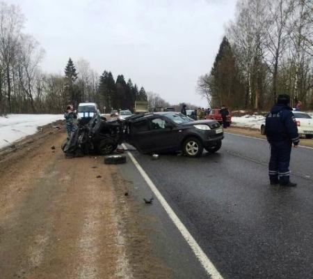 Обстоятельства страшной аварии двух иномарок под Смоленском устанавливает полиция
