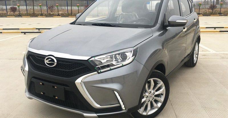 Китайскую копию Lada Xray назвали в стиле кроссоверов BMW