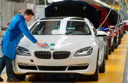BMW остановила работу конвейера в Мюнхене из-за пьяных рабочих