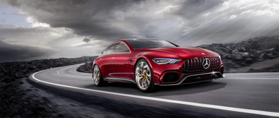 Лифтбек Mercedes-AMG: начались дорожные испытания