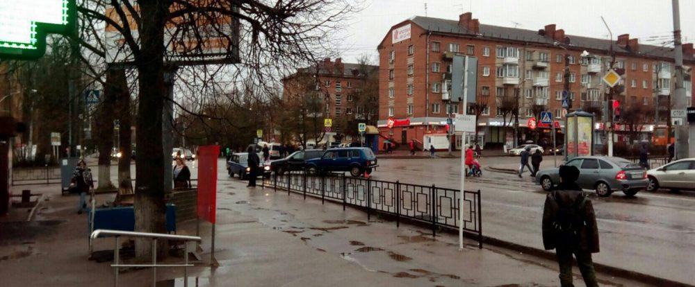 На Кирова произошло ДТП с участием полицейского автомобиля