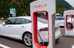 Tesla планирует построить завод на юге Китая