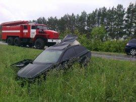 На трассе под Смоленском столкнулись фура и грузовик