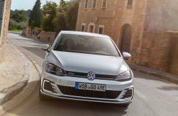 Тест-драйв VW e-Golf и Golf GTE
