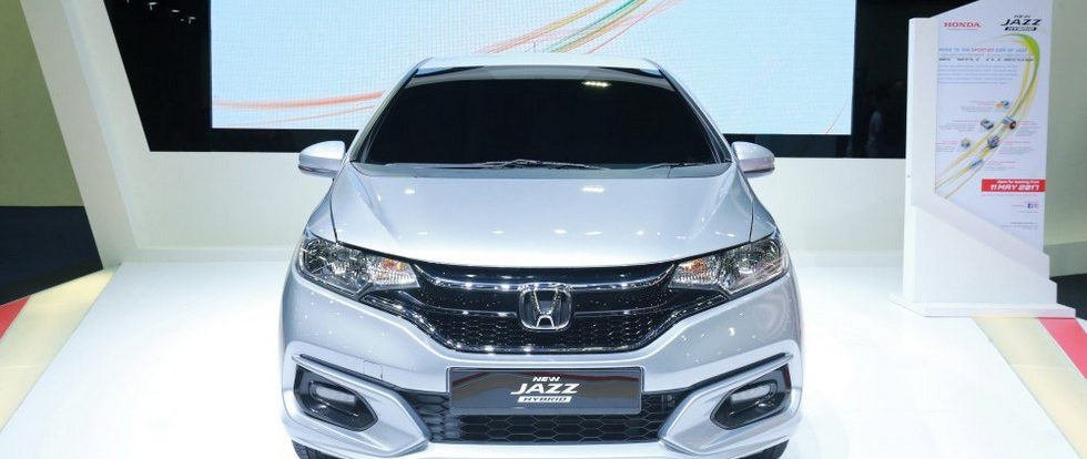 Обновлённый компактвэн Honda Jazz показали «живьём»