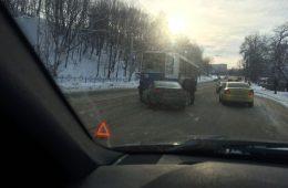 В Смоленской области столкнулись «Волга» и «ВАЗ». Трое пострадавших