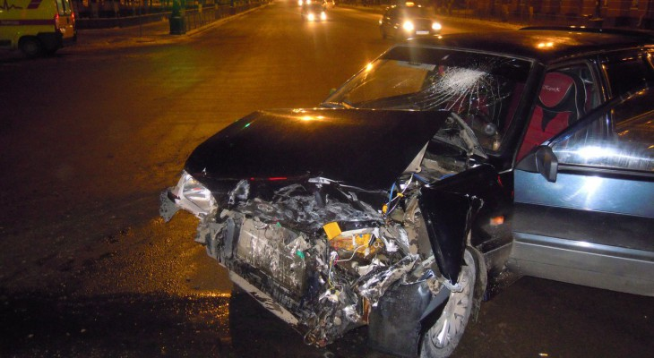 Двое смолян пострадали в аварии с перевернувшимся «Опелем»