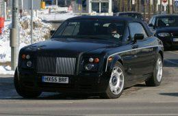 Rolls Royce анонсировал «очень черный» кабриолет